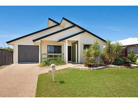 House - 9 Wexford Crescent,...