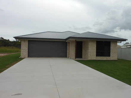 House - 38 Oakwood Drive, T...
