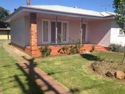 House - 2 Wyalla Street, Ne...