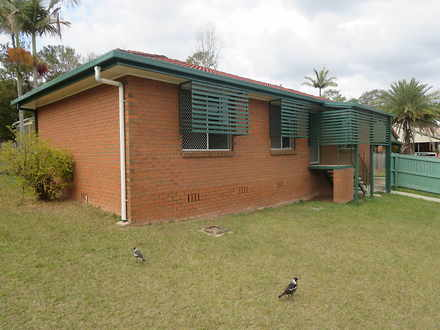 House - 11 D'arcy Way, Lawn...
