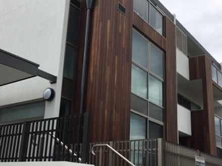 Apartment - Leonard Street,...