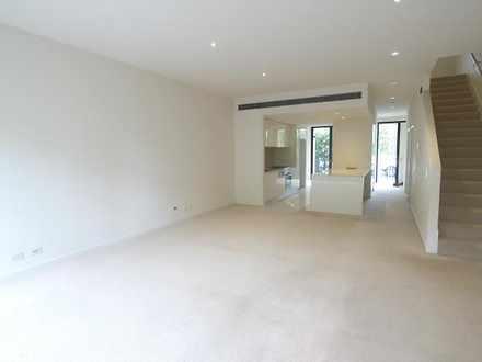 House - 11 Florey Crescent,...