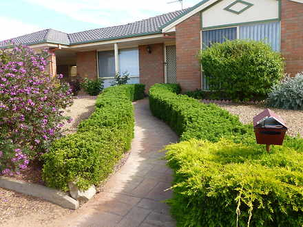 House - 6 Lawson Close, Hor...