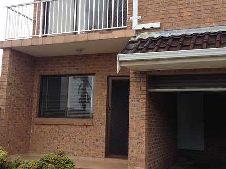 Townhouse - 4/32 Gillies St...