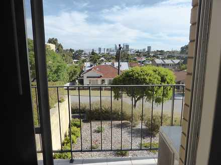 Unit - UNIT15/2 Russell Ave...