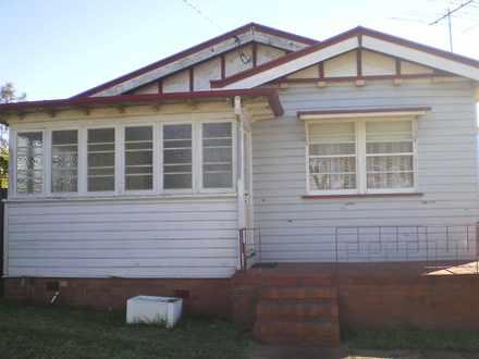 House - 7 Third Avenue, Har...