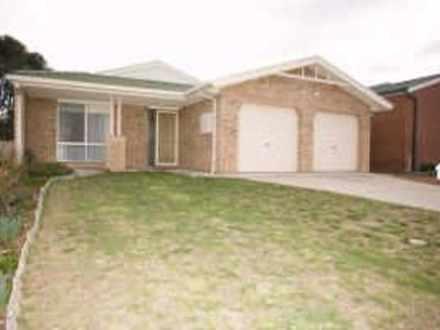 House - 10 Leonard Close, D...