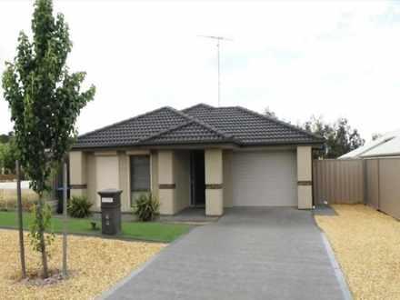 House - 4 Waterlily Terrace...