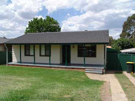 House - 42 Carrington Circu...