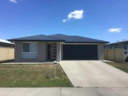 House - 13 Longford Lane, W...
