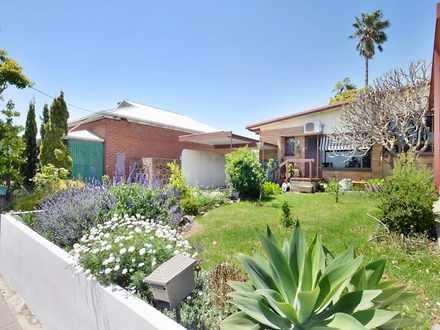 House - 1/676 Brighton Road...