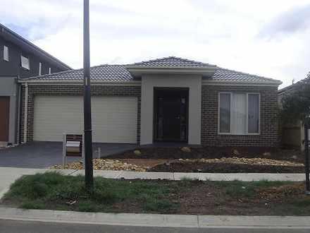 House - 3 Calypso Crescent,...