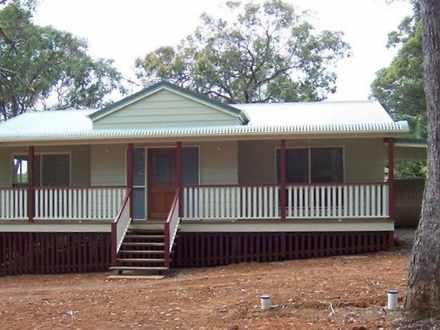 House - Macleay Island 4184...