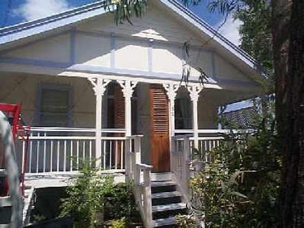 House - 32 Norman Street, E...