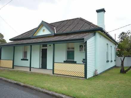 House - 1A Newcastle Street...