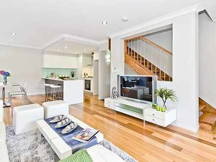 Townhouse - 2/36 Collins St...