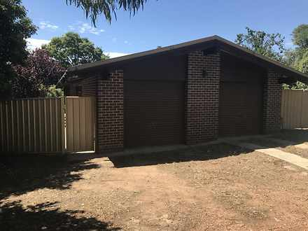 House - 17 Shenton Crescent...