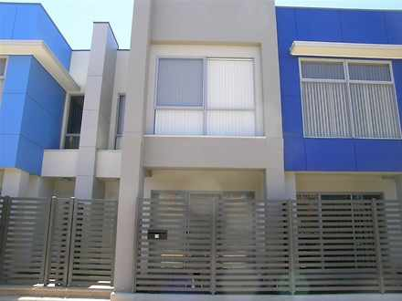 Townhouse - 8 Grundy Road, ...