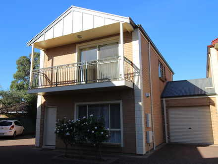 Townhouse - 5/1B Thirza Ave...