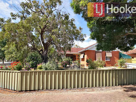 House - 186 Woodford Road, ...