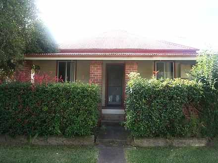 House - 8 Forrest Street, J...