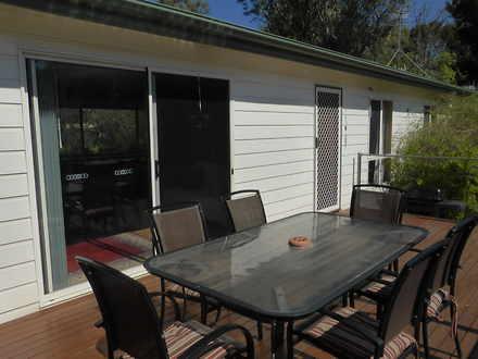 House - 4 Grundy Terrace, S...