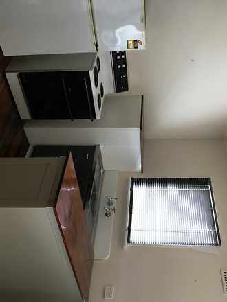House - UNIT 3/2 Charles St...