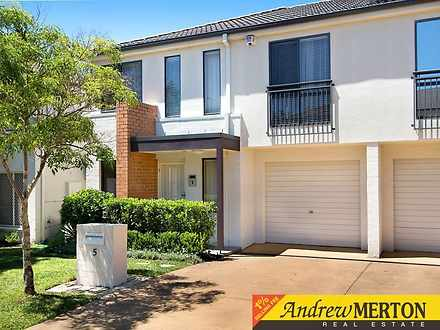 House - 5 Dianella Circuit,...