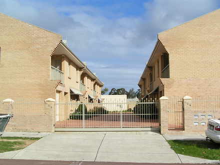 Townhouse - 2/177 Carr Plac...