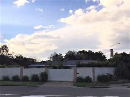 House - 67 Orealla Crescent...