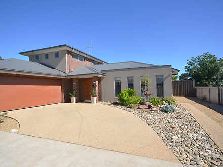Townhouse - 2/16 Echuca Str...