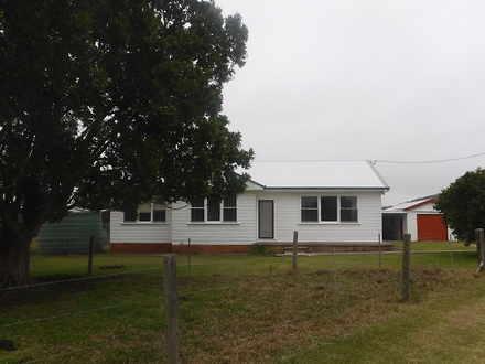 House - 403A East Seaham Ro...