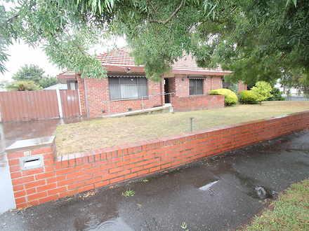 House - 902 Doveton Nth Str...