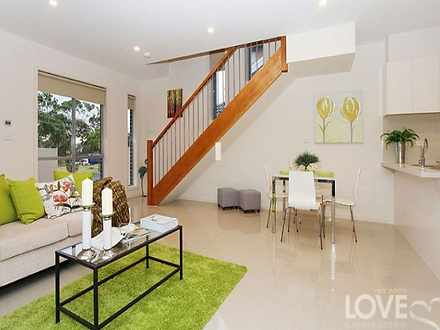 Townhouse - 4/105 Camp Road...