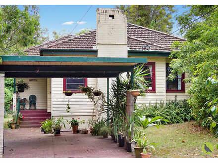 House - 15 Whitehaven Road,...