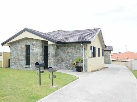 Villa - 16A Mistral Place, ...