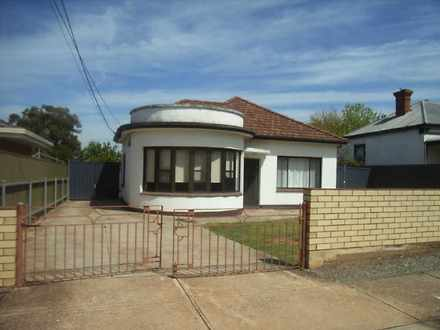 House - 4 Windsor Avenue, M...