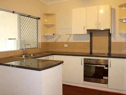 Townhouse - 2/528 Varley St...