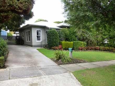 House - 2 Pioneer Street, W...