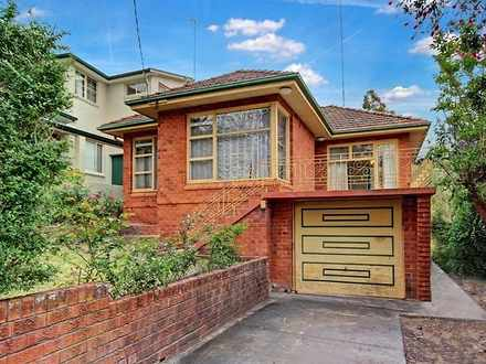 House - 43 Douglas Haig Str...