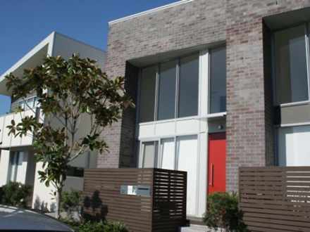 Townhouse - 32 Lakefront Cr...