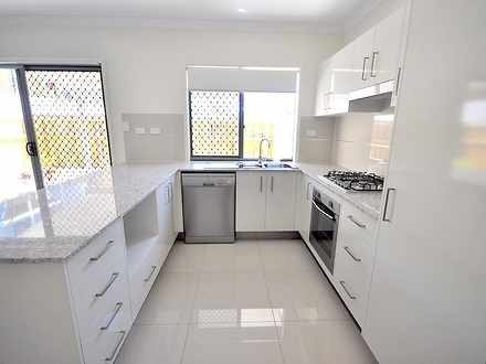 Townhouse - 6/2 Photinia Cr...
