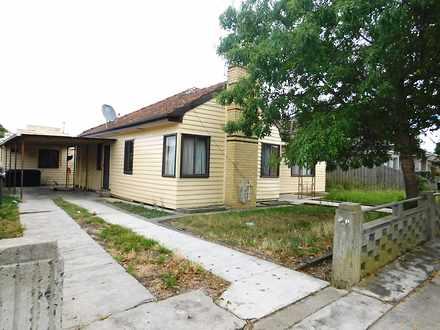 House - 25 Waratah Avenue, ...