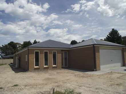 House - 7 Buttonwood Way, G...