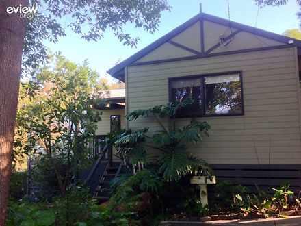 House - 7 Centre Grove, Chu...