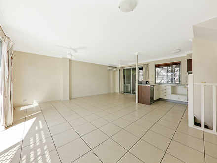 Townhouse - 2/8 Eric Road, ...