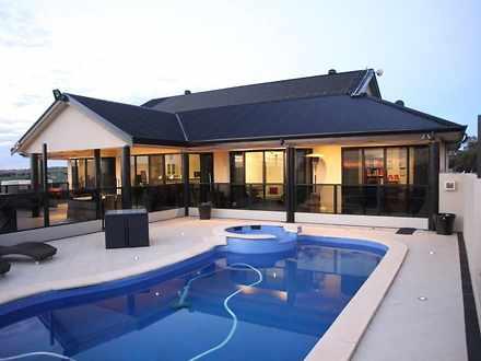 House - 20-24 Petrel Court,...