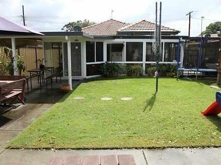 House - 10 Birdwood Avenue,...