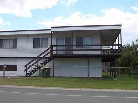 House - 107' Moreton T...