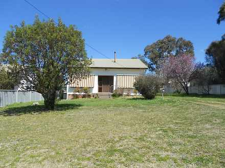 House - 34 East, Uralla 235...